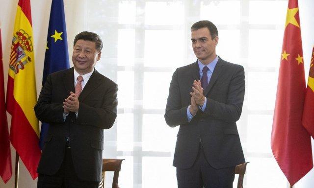 La economía china crece en el tercer trimestre y el FMI prevé que lo haga en el conjunto del año, mientras pronostica un derrumbe económico (-12,8%) para España