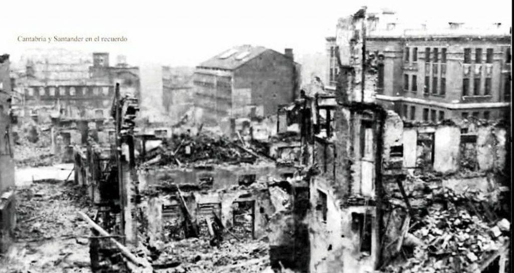 En la imagen, el Instituto entre las ruinas del incendio de 1941 de Santander.