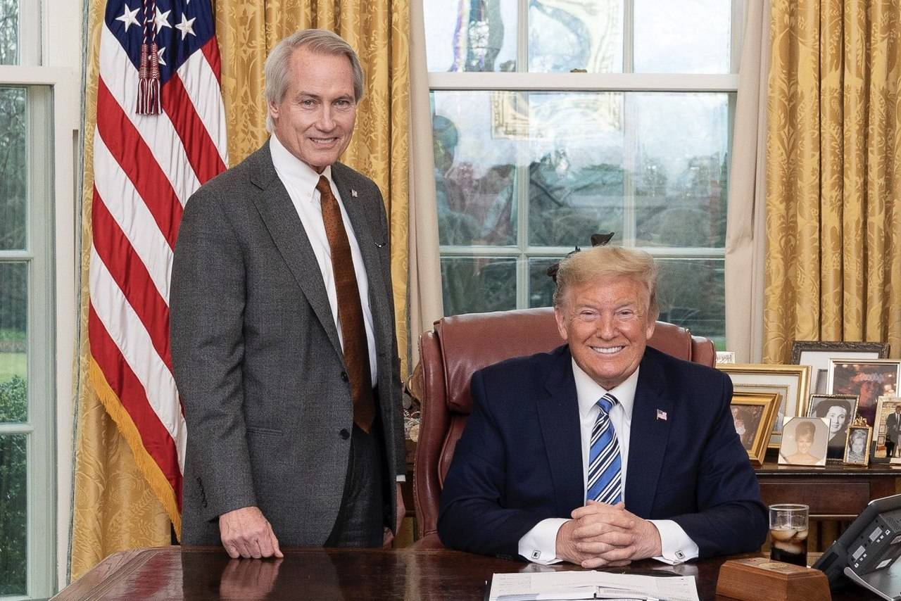 Donald Trump con Lin Wood
