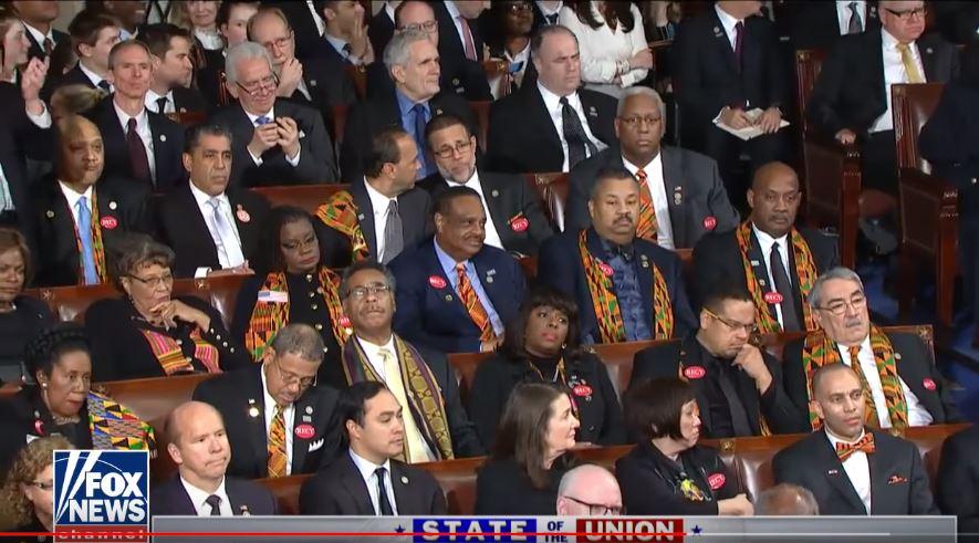 Congresistas demócratas durante el Discurso del Estado de la Unión del presidente Donald Trump el 30 de enero de 2018.