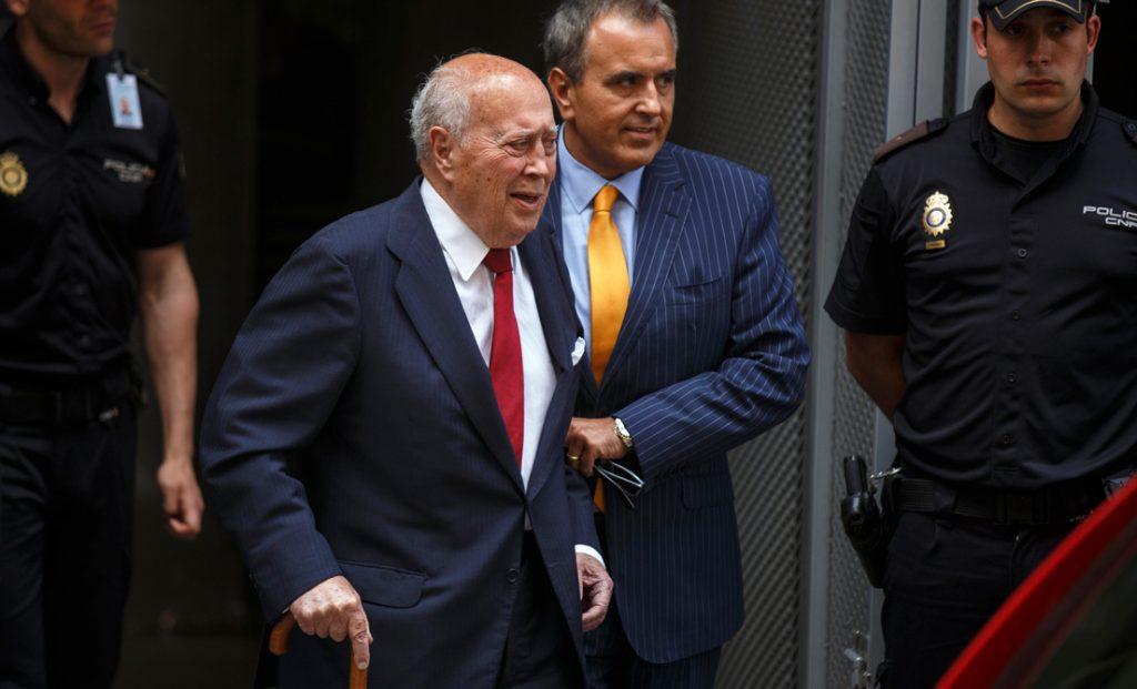 Álvaro Lapuerta (fallecido en 2018), extesorero del PP, saliendo del Tribunal Supremo tras comparecer ante un juez, Madrid, 14 julio 2014. Andrea Comas / Reuters